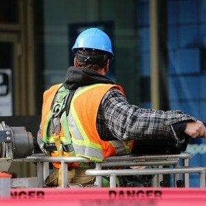 construction-worker-569126_640