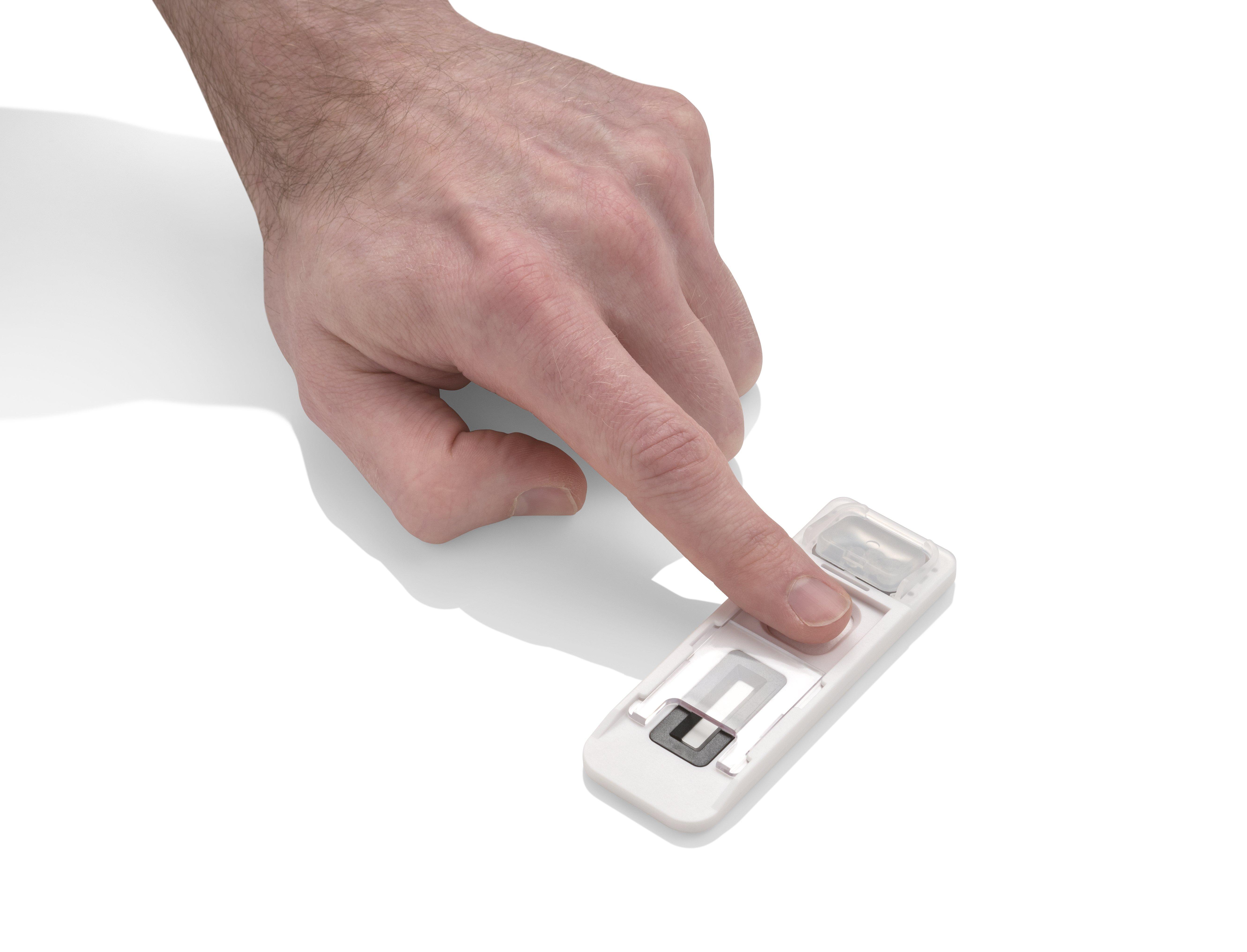 finger-on-cartridge