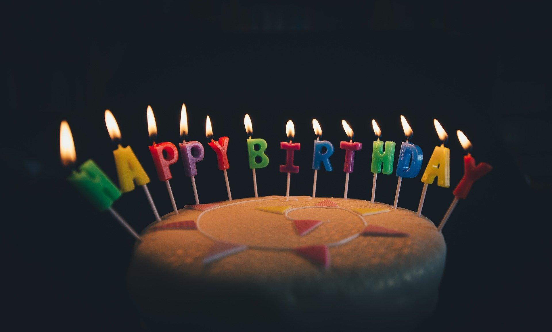 Трахнули в день рождение, На день рождения русскую девушку задорно выебли во 1 фотография