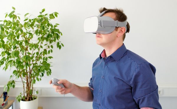 VR headset in use for Lendlease safety project