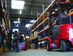 Forklifts and pedestrians - show your hand - mentor 1