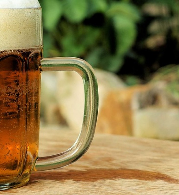 Lunchtime drinking – how can employers prevent it?